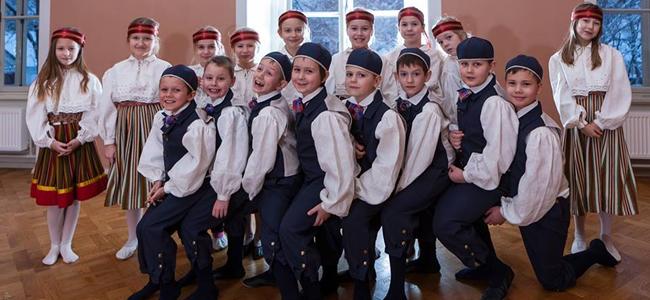 Kostivere laste rahvatantsurühm pürib tantsupeole!