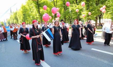 XXVI laulu- ja XIX tantsupidu / Kostivere inimesed ja segakoor